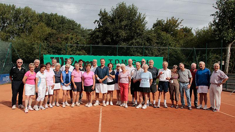 """Teilnehmer des Tennis-Doppel-Turniers ab """"50"""" für Damen & Herren von Samstag, den 3. September!"""